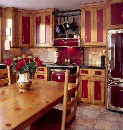 Knotty Pine Kitchen Cabinets by Best 25 Knotty Pine Kitchen Ideas On Pine