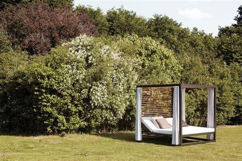 letti da giardino letti da esterno arredo giardino scegliere i letti da