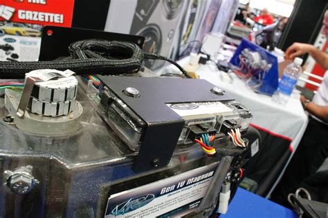 fan that blows cool air sema 2014 vintage air blows some cool air on a
