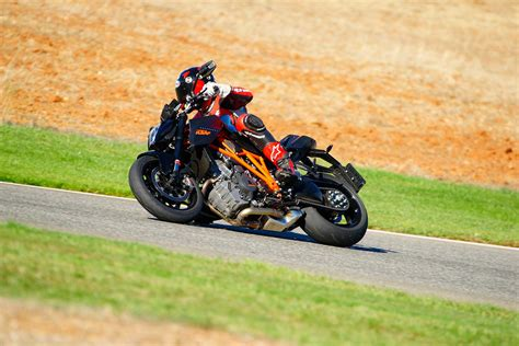 Ktm 1290 Superduke Review Ride Review Ktm 1290 Duke R Asphalt Rubber