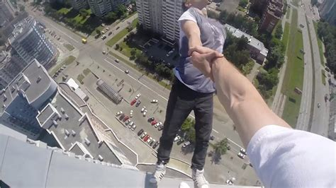 how to build a russian swing rooftopper hangs off 40 storey building youtube