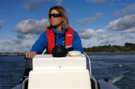 boat driving instructor rya powerboat instructor training course mylor sailing