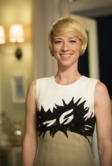 hairstyles of margaux on revenge revenge s karine vanasse on the twist that quot changes