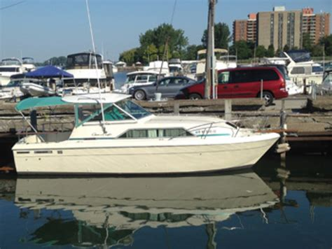 chris craft boats reviews used boat review chris craft commander 27 soundings online