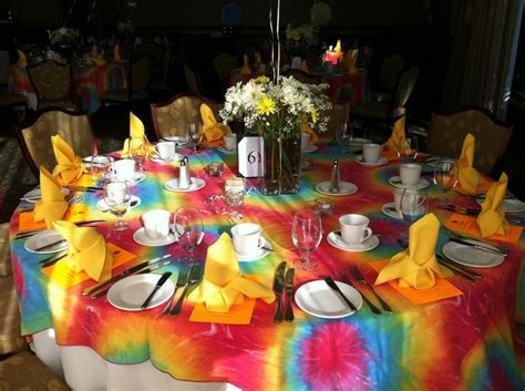 tie dye wedding ideas 60s theme sixties table setting dye tablecloths