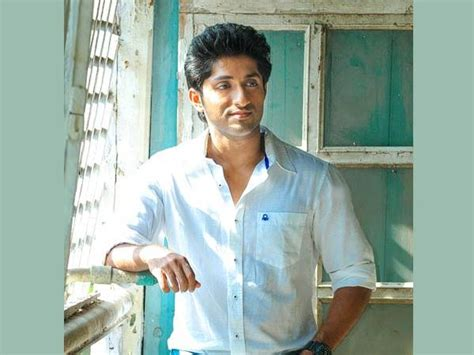 No Marriage Plans For Jim And by Marriage Is Not On Cards Says Dhyan Sreenivasan Filmibeat