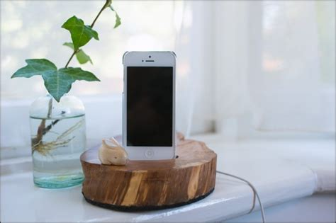 diy charging dock 86 build something from wood scarlet words