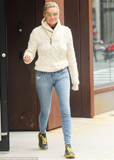 yolanda foster favorite jeans yolanda hadid highlights her svelte frame in nyc daily