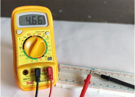 measure resistor multimeter how to use a digital multimeter measure voltage current resistance continuity with multimeter
