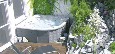 whirlpool für garten kombiniert whirlpool und badewanne whirlpool zu hause de