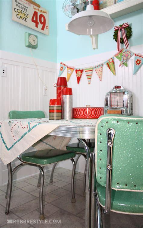 Retro Kitchen Decor by Robb Restyle