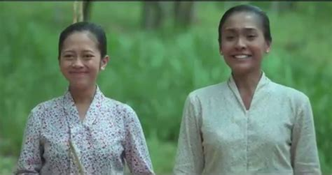 film surat cinta untuk kartini cerita fiksi ibu kita kartini di film surat cinta untuk