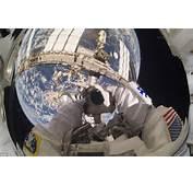Nasa Astronaut Garrett Reisman Atlantis Mission Specialist Takes A