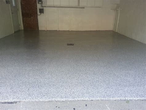 EPOXY MONTREAL, CONCRETE FLOOR COATING MONTREAL, GLUE