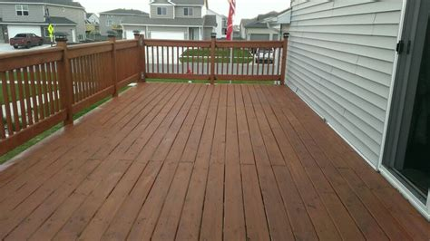 deck   cabot stain   redwood