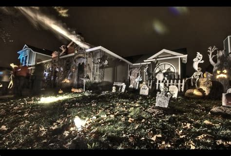 halloween decorated homes 11 craziest halloween decorated homes