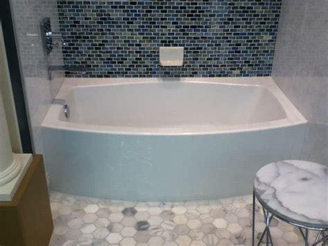 kohler expanse bathtub kohler expanse tub with a bowed front bathroom ideas