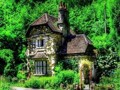 small english cottages small stone cottage english stone cottage small cottages