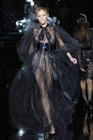 Catwalk To Carpet Dolce Gabbana Fall 2007 by 63 Best Runway Shows Dolce And Gabbana Images On