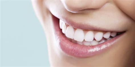 come sbiancare i denti in casa come sbiancare i denti in modo naturale