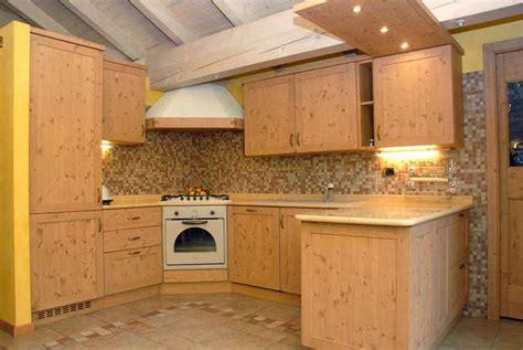 mobili rustici per cucina arredamenti rustici classici e moderni