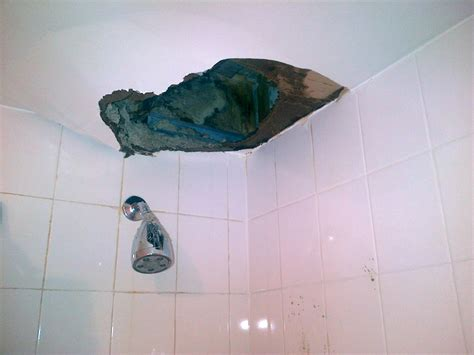 bathtub leaks through ceiling bathtub leaks through ceiling image bathroom 2017