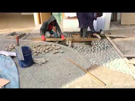 cra nov colocacion de piedra bola frente  casa