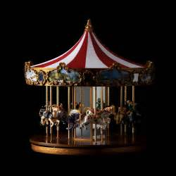 Awesome Decoration De Table Lumineuse #12: Ori-carrousel-classique-mr-christmas-13808.jpg