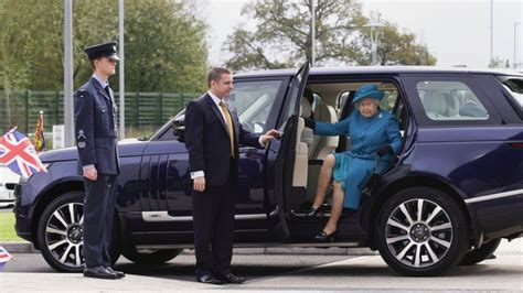 land rover queens her majesty the queen in the midlands central itv news