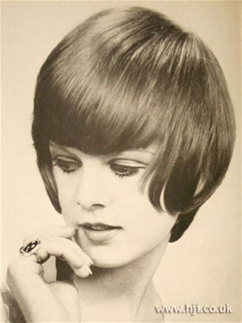 1966 neckline hair cuts 87 best images about hairdos on pinterest roll hairstyle