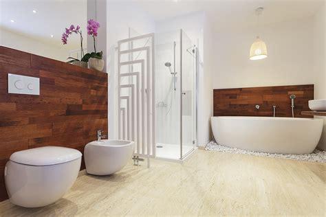 kleines badezimmerfenster helles bad auch ohne fenster so beleuchten sie ihr
