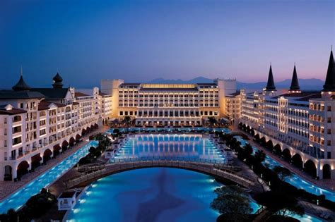 best luxury hotels in the world world s most luxurious hotels and resorts reader s digest