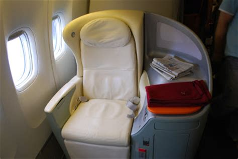 Airline Sleeper Seats by Airplane Pics Japan Airlines Sky Sleeper Seat