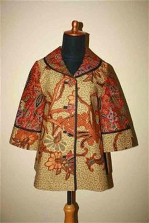 Amya Blouse Baju Blus Wanita Hem Kemeja model baju batik kantor danar hadi model baju batik and