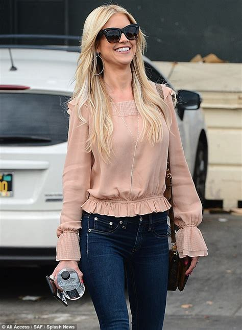 what brand does christina from flip or flop wear what brand shirt does tarek el moussa wear best 25
