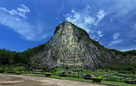 laser buddha objek wisata thailand  megah  indah