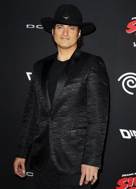 robert rodriguez size chart robert rodriguez picture 54 los angeles premiere of sin