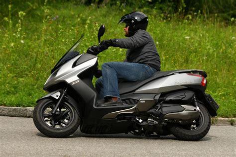 Schnellste Motorr Der Liste by Top Case Tr 228 Ger Givi Monolock F 252 R Kymco Downtown 125i