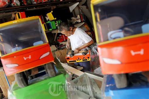 mainan unik pasar mainan gembrong grosir dan eceran mobil mainan buatan indonesia mainan toys