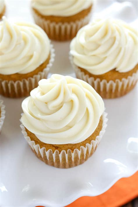 Cupcake Cheese pumpkin cupcakes with cheese frosting