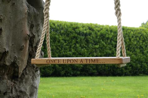 wood tree swings personalised tree swings from makemesomethingspecial co uk