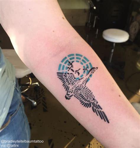 Goose Tattoo Nyc | ガチョウのタトゥー のおすすめアイデア 25 件以上 pinterest アヒルのタトゥー 原住民アート