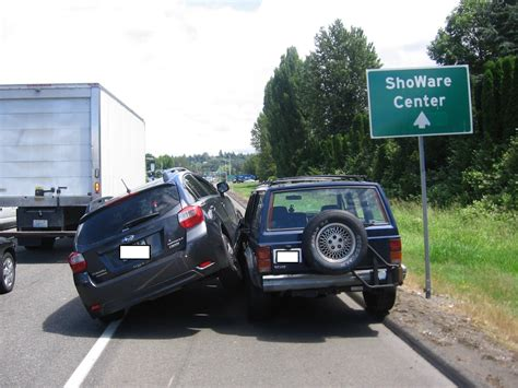 subaru jeep subaru driver gets angry after being passed on the