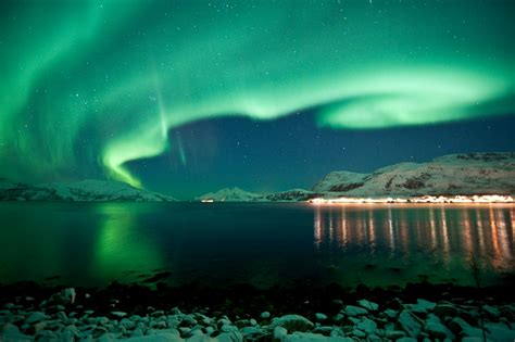 vacation packages to see northern lights northern lights tours and cruises in norway