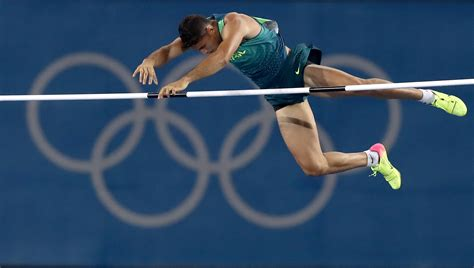 pole vault local da silva soars to pole vault gold olympic news