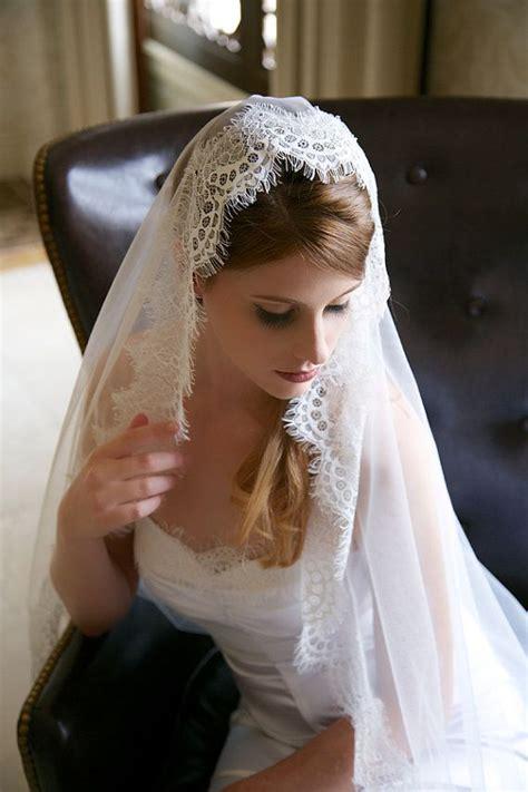 hairstyles with mantilla veil 476 best images about velos de novia tocados para novia