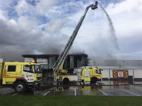 chimenea electrica lidl extinguido el incendio originado en un supermercado de