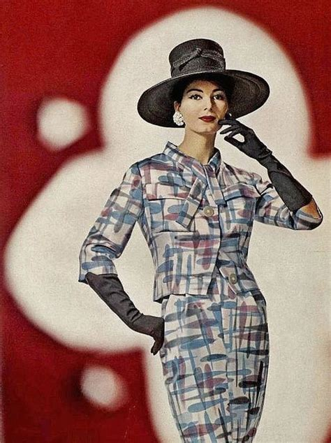 fashion suited for a mid fifties slightly overweight woman graphic prints graphics and fashion suits on pinterest