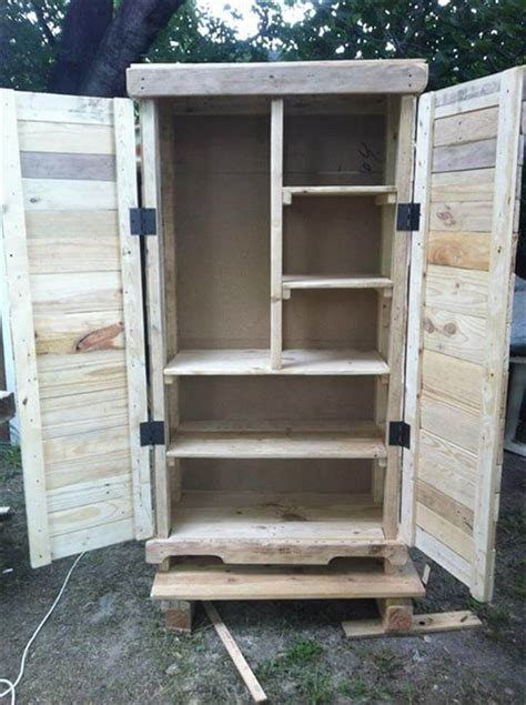 Diy Storage Cabinet Diy Pallet Cabinet For A Big Storage 99 Pallets