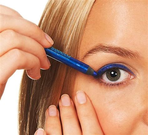 Beautistyle Eyeliner 8 must makeup products